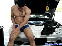 Ripped stud jerking thick cock in garage