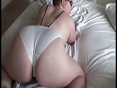 Pawg shaking ass with glasses