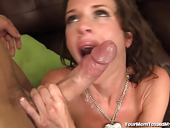 Wild Hot Mom Feats On Man Ass!