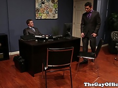 Muscular office hunk pounding tight ass