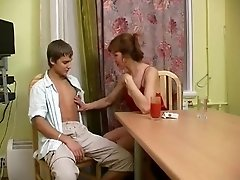 Mature lady seduce a teen neighbour